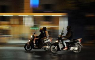 pique en moto