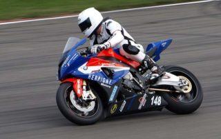 formación cursos de pilotaje moto