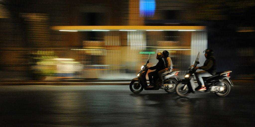 moto, trucos de seguridad, ciudad