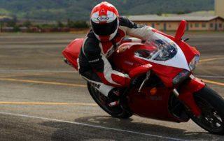 la mirada en moto, técnicas de conducción, formación en moto