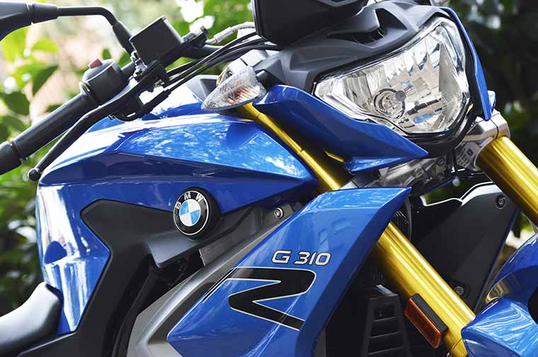 BMW G310R mujeres moteras