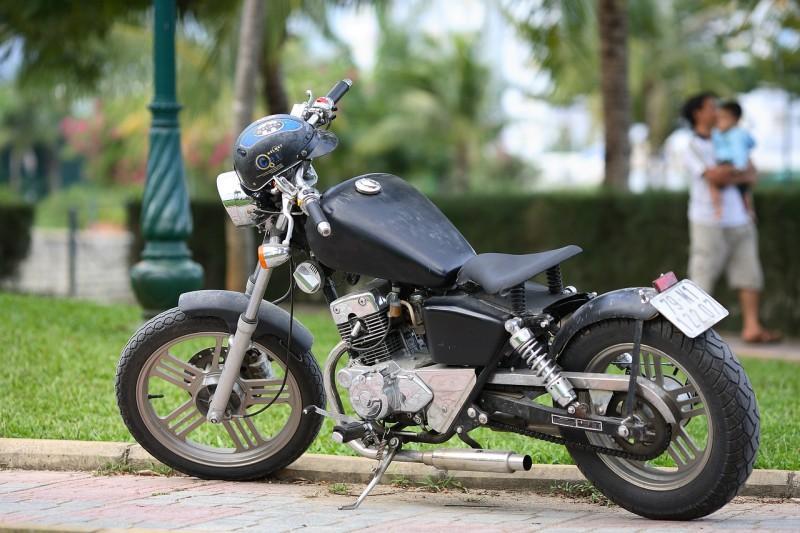 Cómo controlar el nivel de aceite en la moto