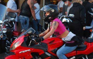clubs femeninos mujeres moteras ruta, ruta en moto, aventura en moto, clubs chicas, clubs moteras, salida en moto, vive la moto, ifema, salon de la moto
