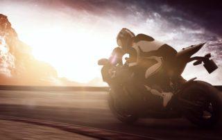 Cómo circular con viento en moto