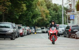 ¿Cuál es la contaminación de una moto?