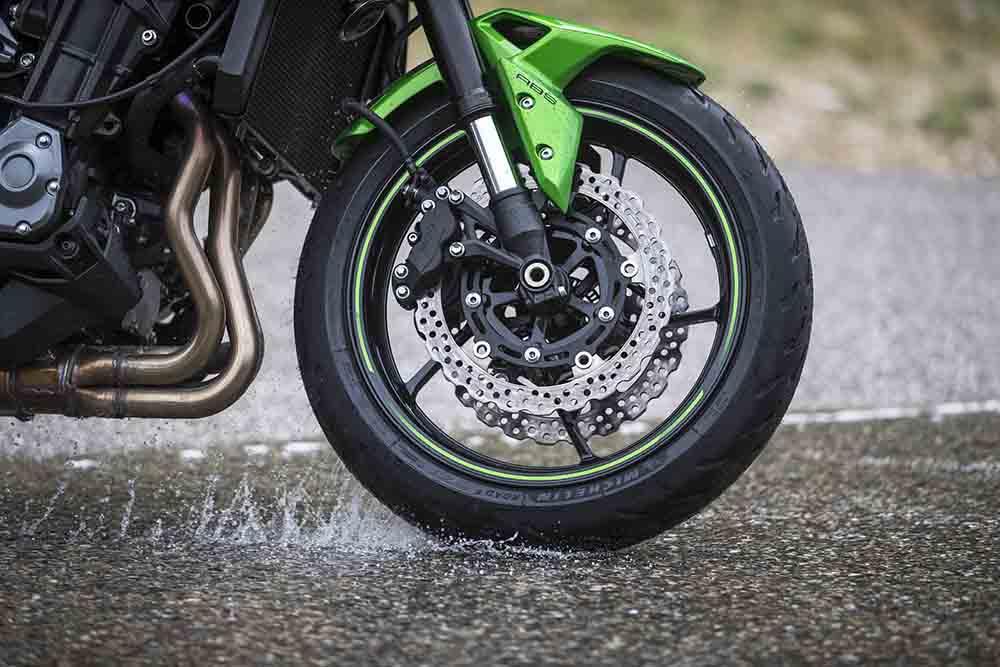 michelin road 5, neumáticos moto, michelin pilot road 4, neumaticos lluvia, conducir en mojado, conducir con lluvia,