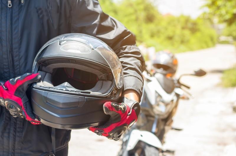 Por qué utilizar protecciones en la moto