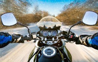 Cómo resguardarse del frío en moto