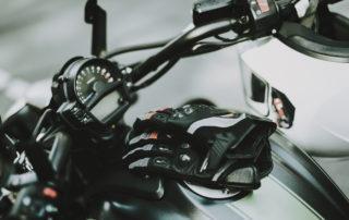 Excesa vibración al acelerar la moto razones y soluciones excesa vibración al acelerar