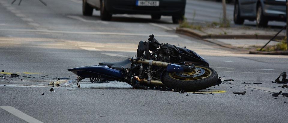 dia mundial victimas accidente de trafico, accidente en moto, día de fallecidos, motorcycle crash, guardarrailes