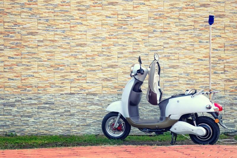 ¿Se puede ahorrar con las motos eléctricas?