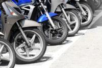 Qué tipos de llantas existen y cuál es la mejor para tu moto