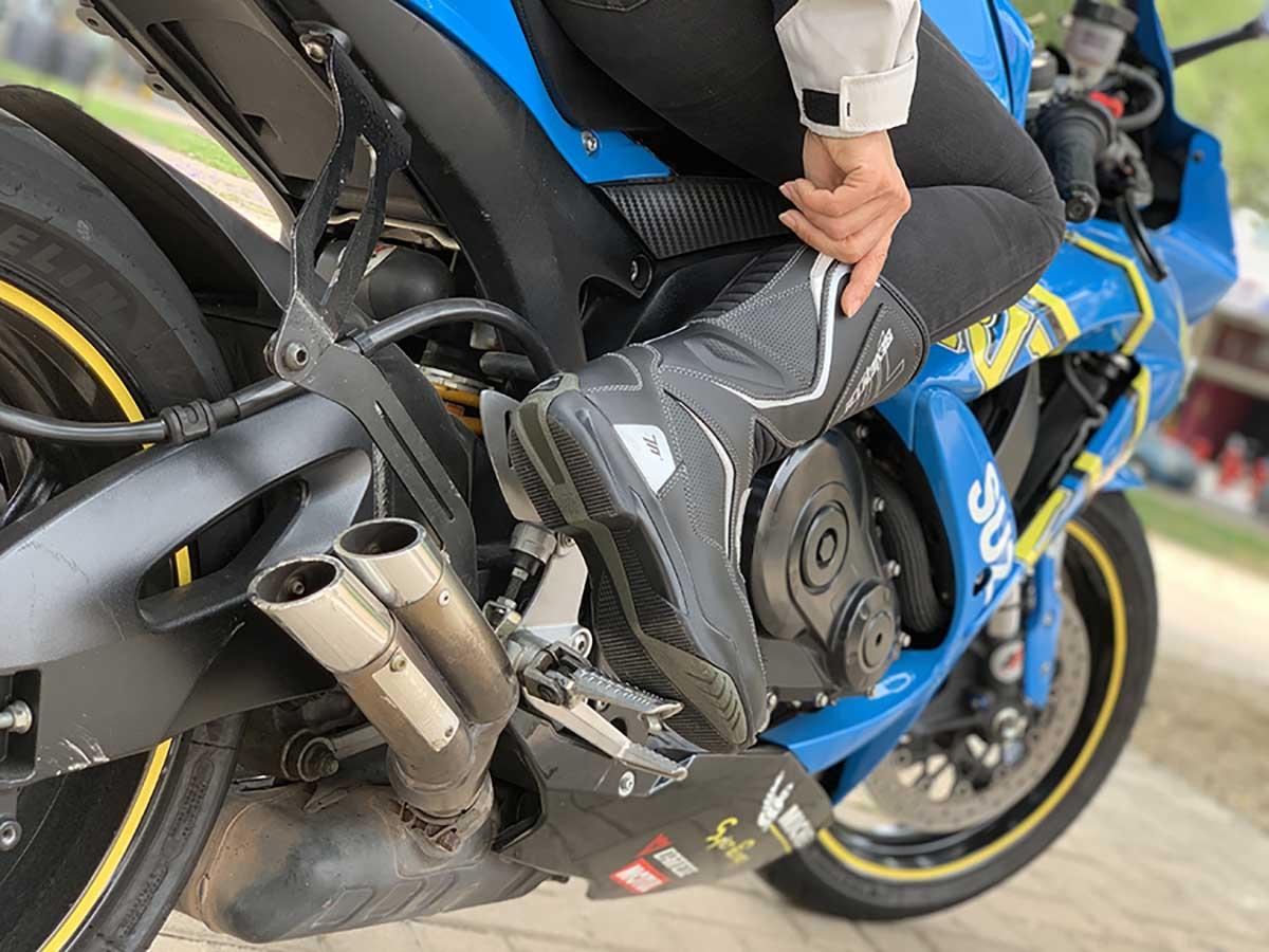 botas de moto mujer, ropa de moto mujer, ropa motera mujer, botas de moto seventy degrees, botas touring mujer,