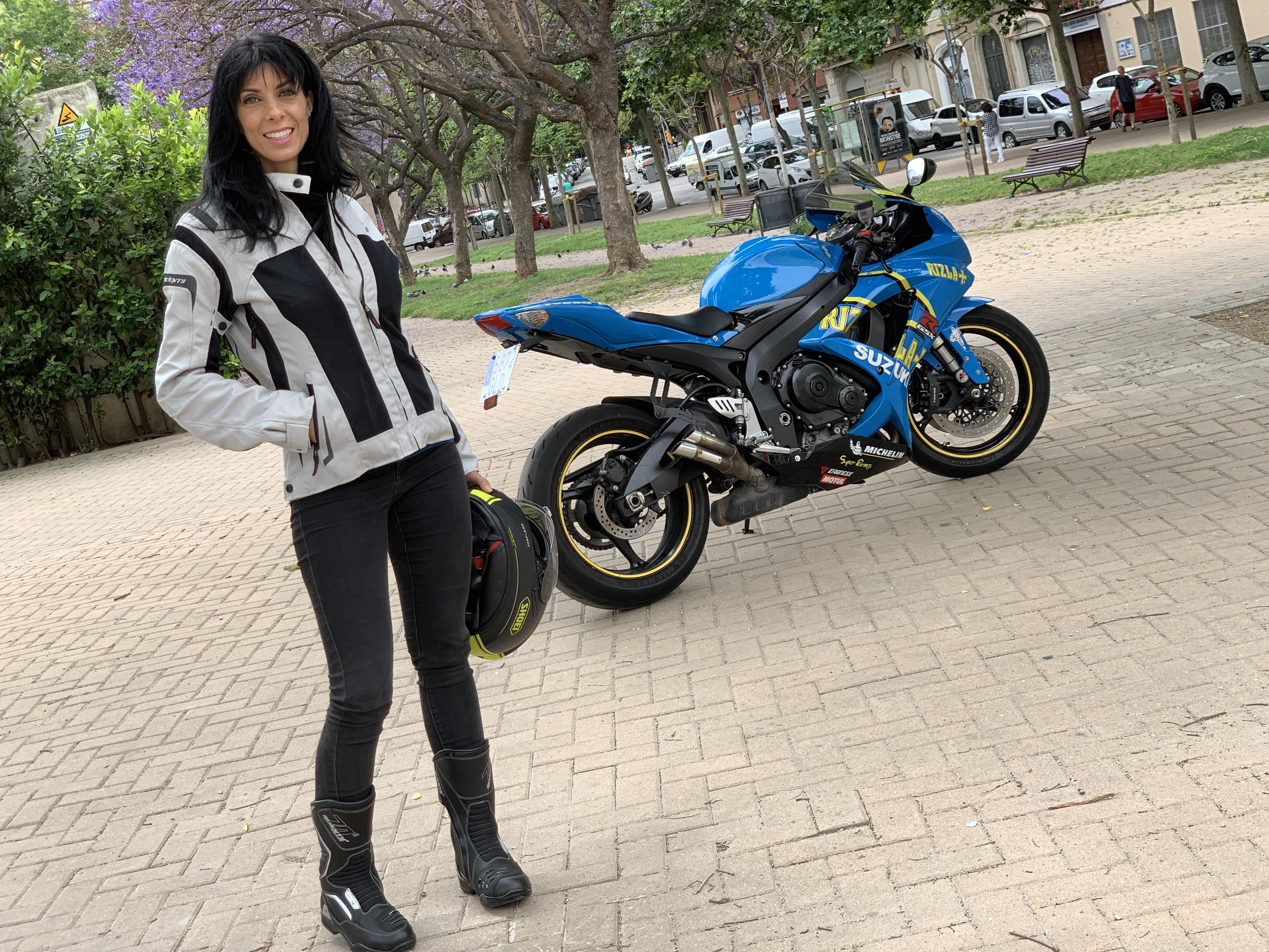 chaqueta de moto mujer, chaqueta cordura moto, seventy degrees, outfit verano, ropa de moto de verano, chaqueta moto transpirable