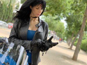 seventy degrees, outfit verano, ropa de moto de verano, guantes moto mujer, guantes moto verano, guantes de verano,