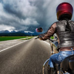 Cinco consejos para conducir una moto cuando llueve