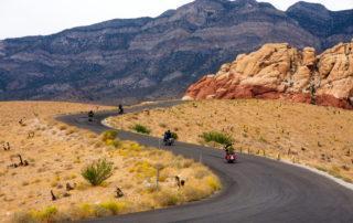 Las tres mejores rutas para ir en moto en otoño
