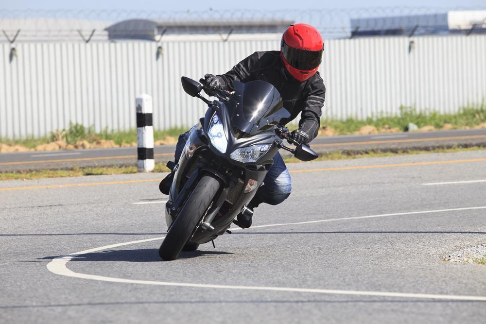 Motociclistas nuevos   Toda la información que debéis saber para conducir una moto