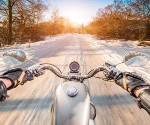 cómo conducir una moto con nieve