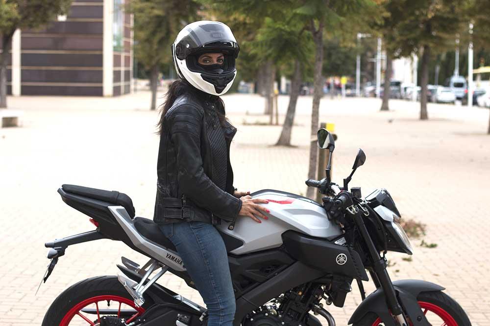 la mirada es importante para aprender a ir en moto
