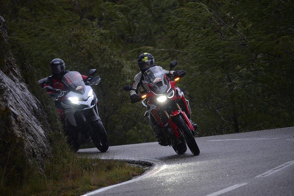 Rutas en invierno en moto, cómo preparar concentraciones invernales para no tener frío