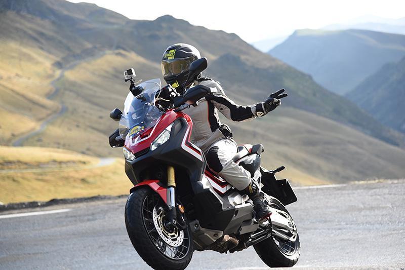 El scooter Honda XADV es quizás el mejor scooter de gran cilindrada que he probado y no puede faltar en el ranking de motos favoritas