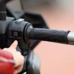 cómo arrancar una moto sin batería