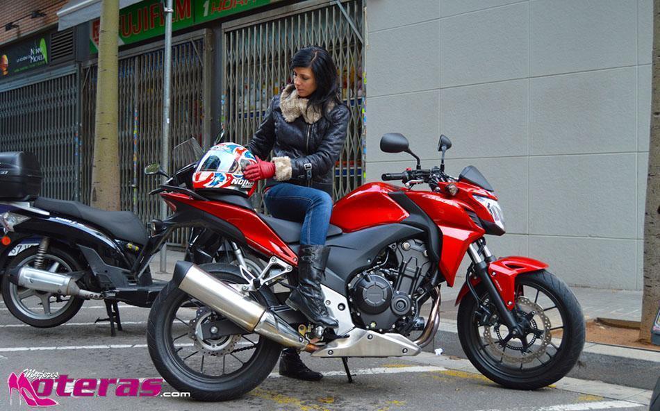motos en barcelona aparcamiento