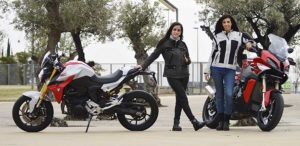 BMW S1000XR y BMW F900R, 2020, prueba motos