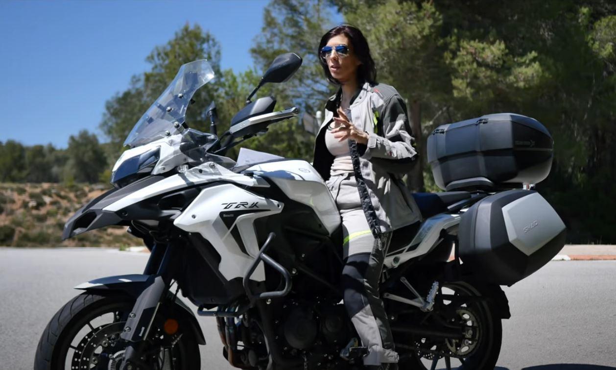 BENELLI TRK 502, MOTO TRAIL ASFALTICA