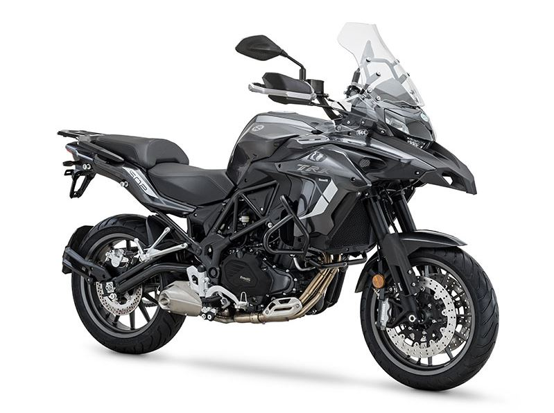Moto trail barata BENELLI TRK 502